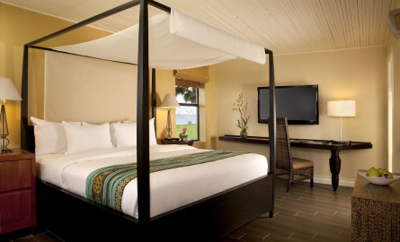 Paradise Point Gov Bedroom