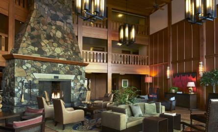 Skamania Hotel Lounge