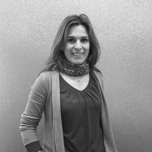 Diplomada en Arquitectura Técnica por la Universidad de Burgos, forma parte del equipo de Alarwool desde finales de 2015 siendo la responsable de los proyectos en Europa.
